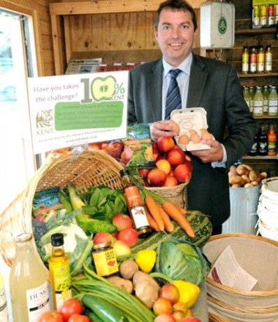 Gareth Johnson visiting Stanhill Farm, Wilmington to support Produced in Kent's 10% Campaign – 6th September 2013